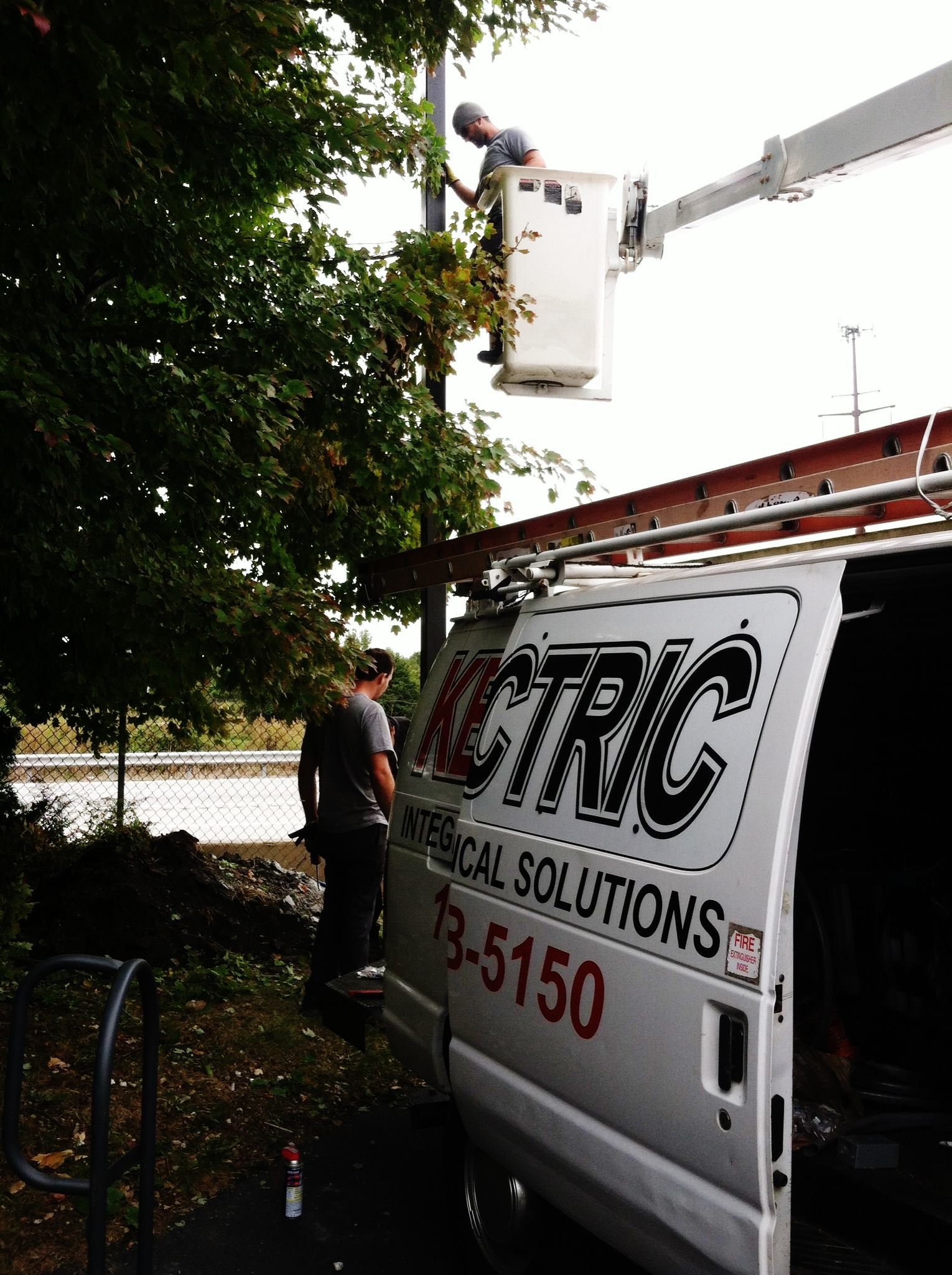 light pole installation - bucket truck services