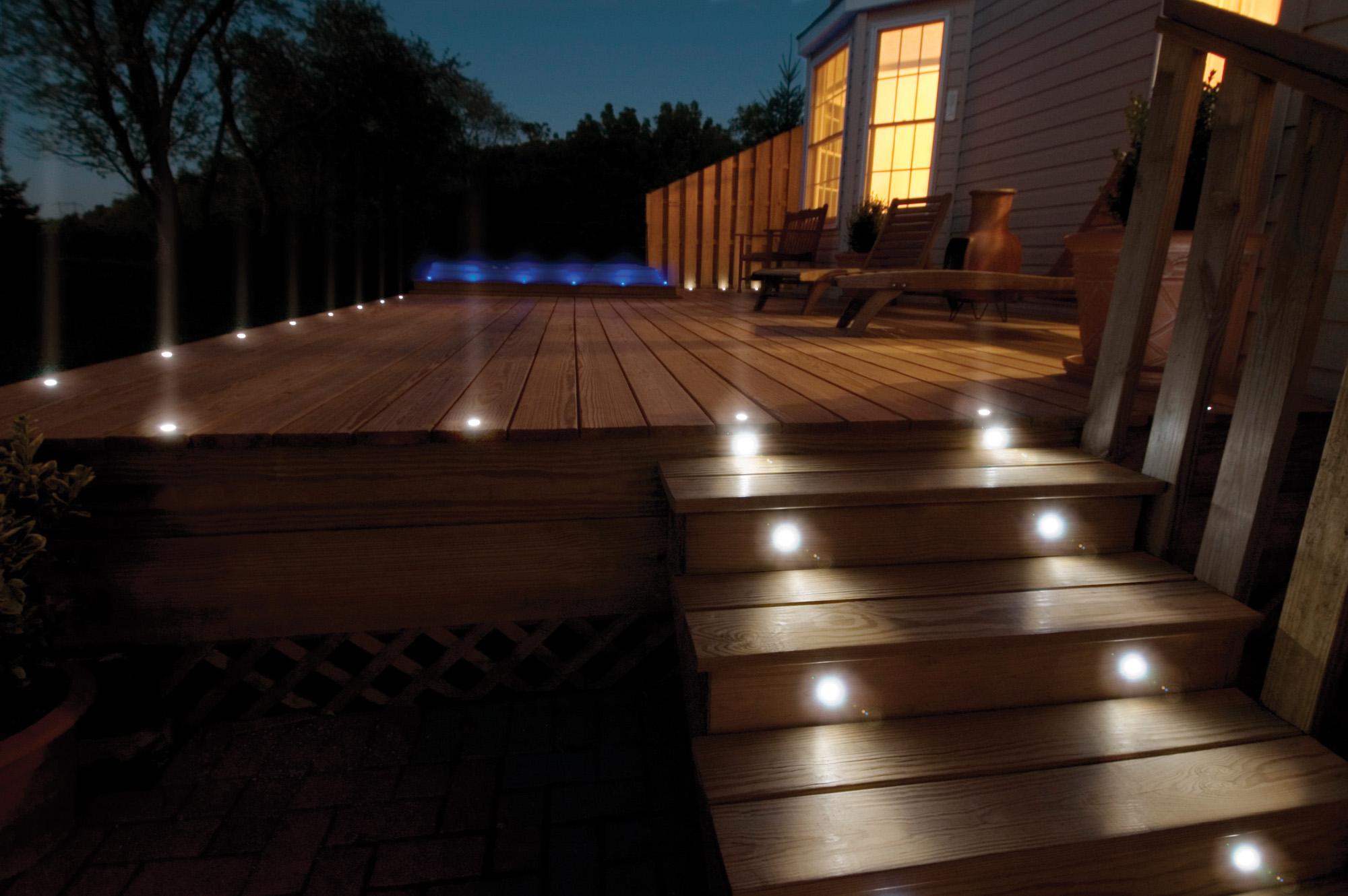 lanscape lighting deck lighting