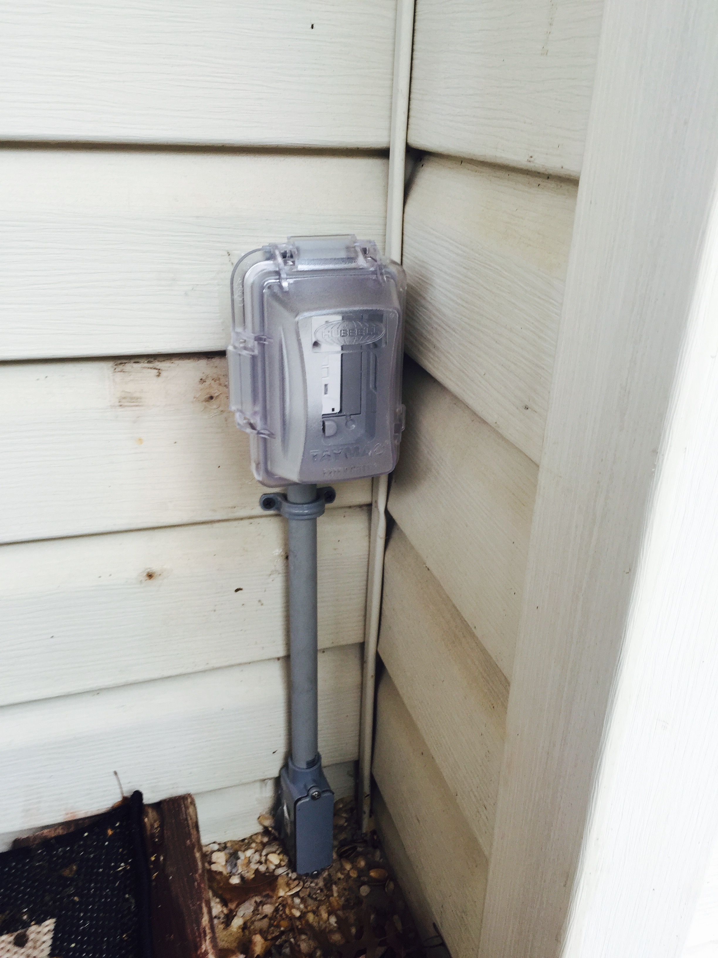 outdoor receptacle installation